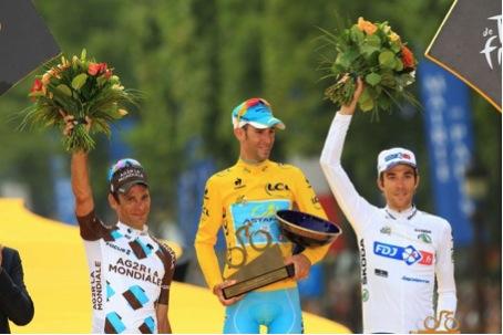 Le Tour de France voit monter sur son podium deux français : Jean-Christophe Péraud, deuxième et Thibaut Pinot en troisième position